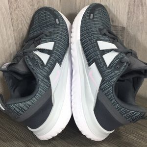 Nike Shoes - NIKE WMNS RENEW ARENA dark grey/pink foam